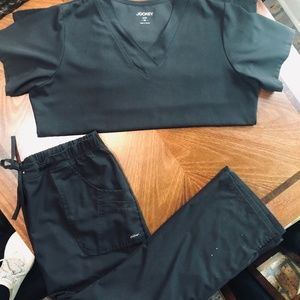 Black scrub set